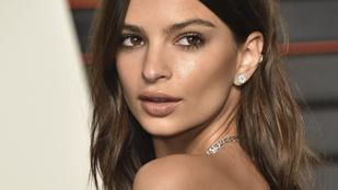 Kim Kardashian és Emily Ratajkoswki is bemutatta legújabb fehérnemű kollekcióját
