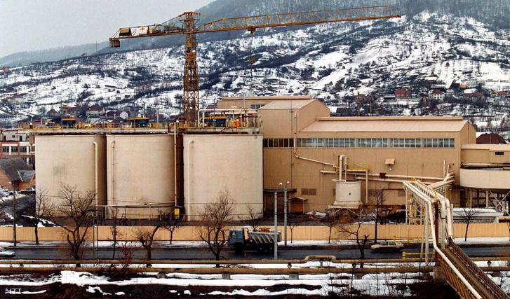 2000. február 17-én készített felvétel az ausztrál-román vegyes tulajdonú Aurul vállalat nagybányai aranyfeldolgozó üzeméről