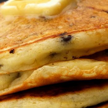 Csokidarabok bújnak meg a pancake-ben – Egy plusz hozzávalóval még finomabb lesz