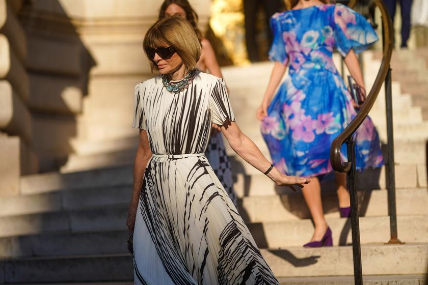 Így öltözködik a világ legstílusosabb asszonya: a 70 éves Anna Wintour még mindig diktálja a divatot