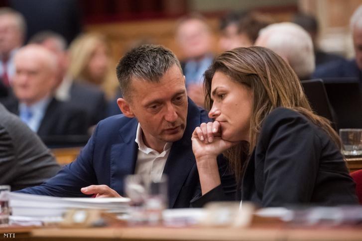 Rogán Antal Miniszterelnöki Kabinetirodát vezető miniszter és Varga Judit igazságügyi miniszter