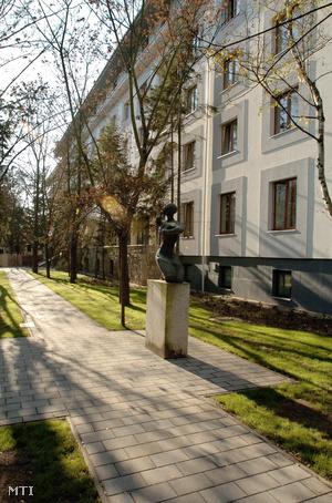 A Debreceni Egyetem Orvos és Egészségtudományi  Centrum PPP  konstrukcióban felújított II. számú kollégiuma