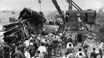 50 éve: Száztízzel csapódott bele az argentin expressz a kirándulóvonatba