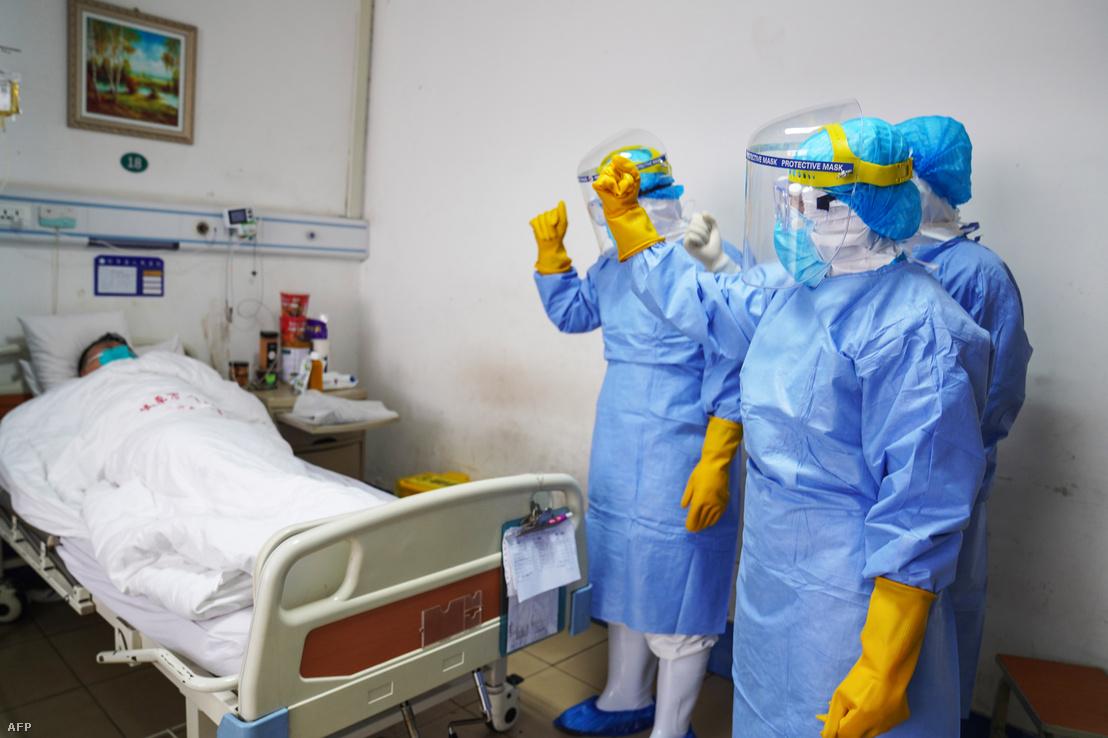 Koronavírussal fertőzött, elkülönített beteg Kína Santung tartományában lévő Zouping kórházában 2020. január 28-án