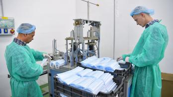 Megkezdték a védőmaszkok gyártását a debreceni rabok