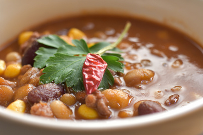 Chili con carne kevesebb hússal, ötféle hüvelyessel – Egészségesebb verzió