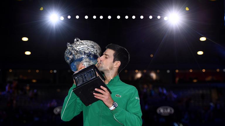 Djokovic szetthátrányból nyerte 8. AusOpenjét