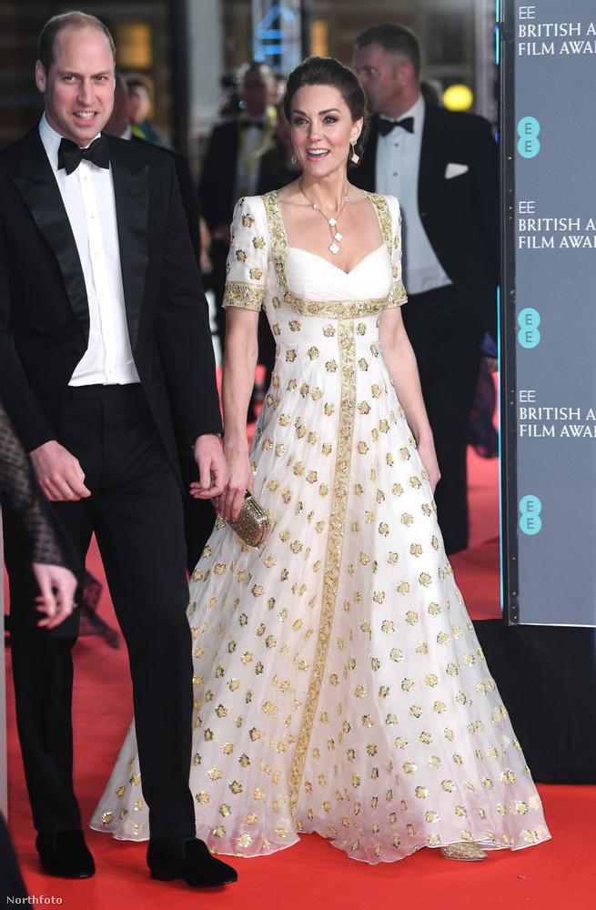 Az eseményen a cambridge-i hercegi pár is tiszteletét tette