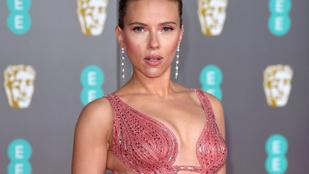 Feszülős, és esetenként sokat mutató szerkóban szexiztek a celebnők a British Academy Film Awards vörös szőnyegén