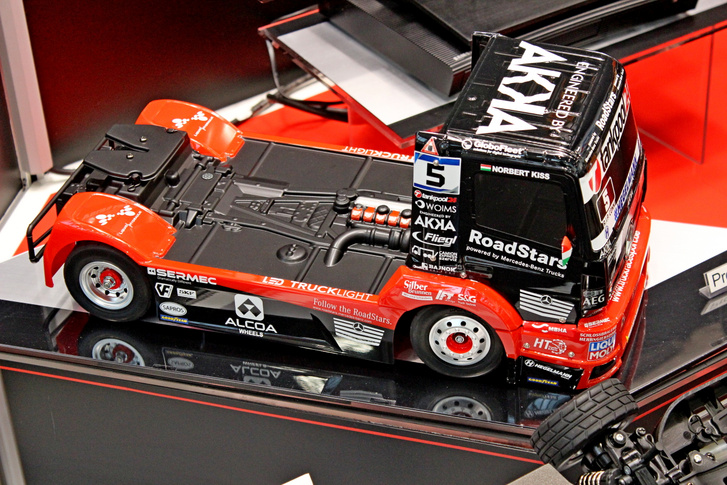 Ezt a kamiont sokan ismerik: Kiss Norbert 2019-es versenykamionja már 1:10-es méretarányú, távirányítós versenyautó készletként is megvásárolható lesz 2020 nyarától, ezzel négyre emelkedett a Tamiya versenykamion kínálata