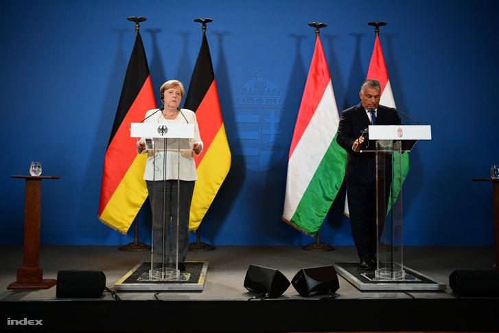 Angela Merkel és Orbán Viktor tavaly augusztusi találkozójukon Sopronban