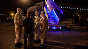 Coronavirus: Hungarian evacuees return from Wuhan