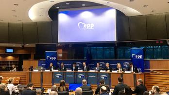 A Néppárt konferenciát tervez az új politikai irányvonaláról