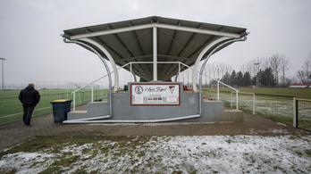 Százmilliókat kapott a falu, ahol mindent a futballra tettek fel