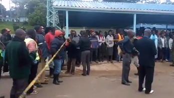 13 diákot tapostak halálra társaik a tanítási nap végén Kenyában