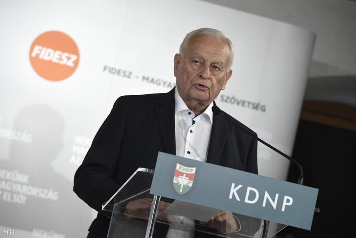 Harrach Péter a KDNP frakcióvezetõje