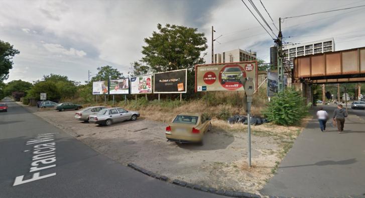 Francia út és a Thököly út kereszteződése, ahol a 2014-es Google Street View felvételén is szemét látható.