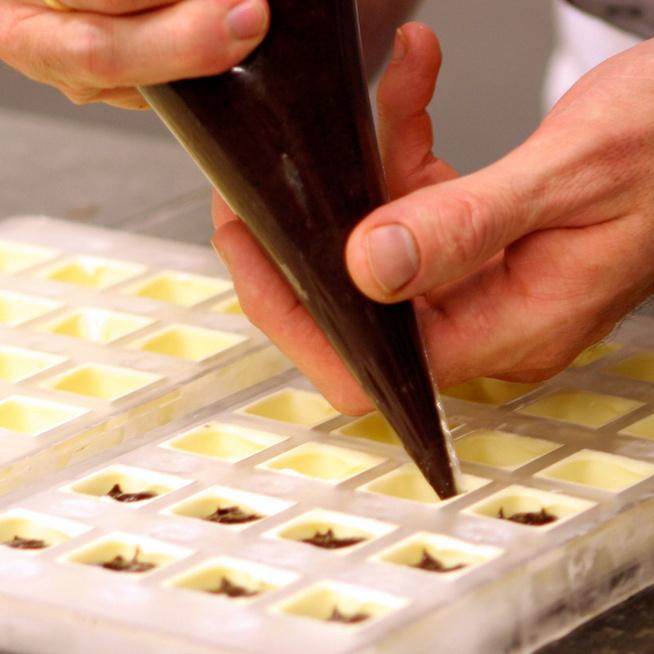 Hogyan készült régen a csokoládé? Tényleg van, aki csokipapírt gyűjt? Hétvégén ezt is megtudhatod