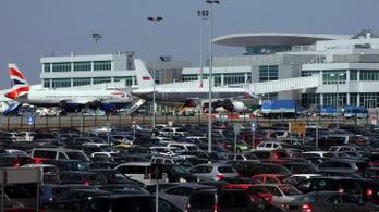 Jobban van a ferihegyi reptérre lázasan érkezett kínai nő