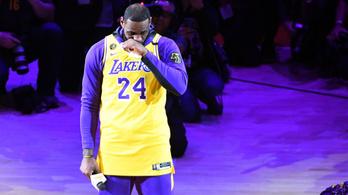 Kobe Bryant lányának mezszámában játszik LeBron James az All-Star-gálán