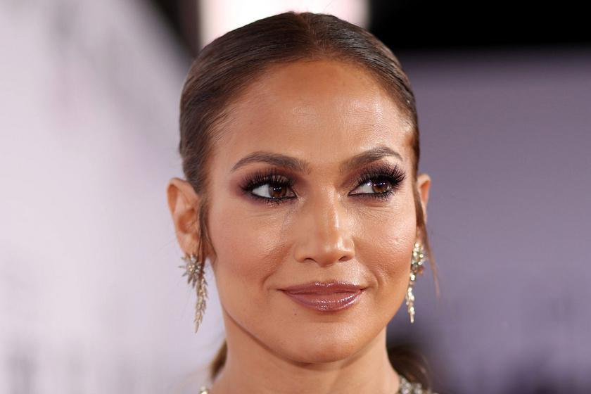 Jennifer Lopez csillogó estélyiben keltett feltűnést - Így jelent meg élete legelső Oscar-gáláján