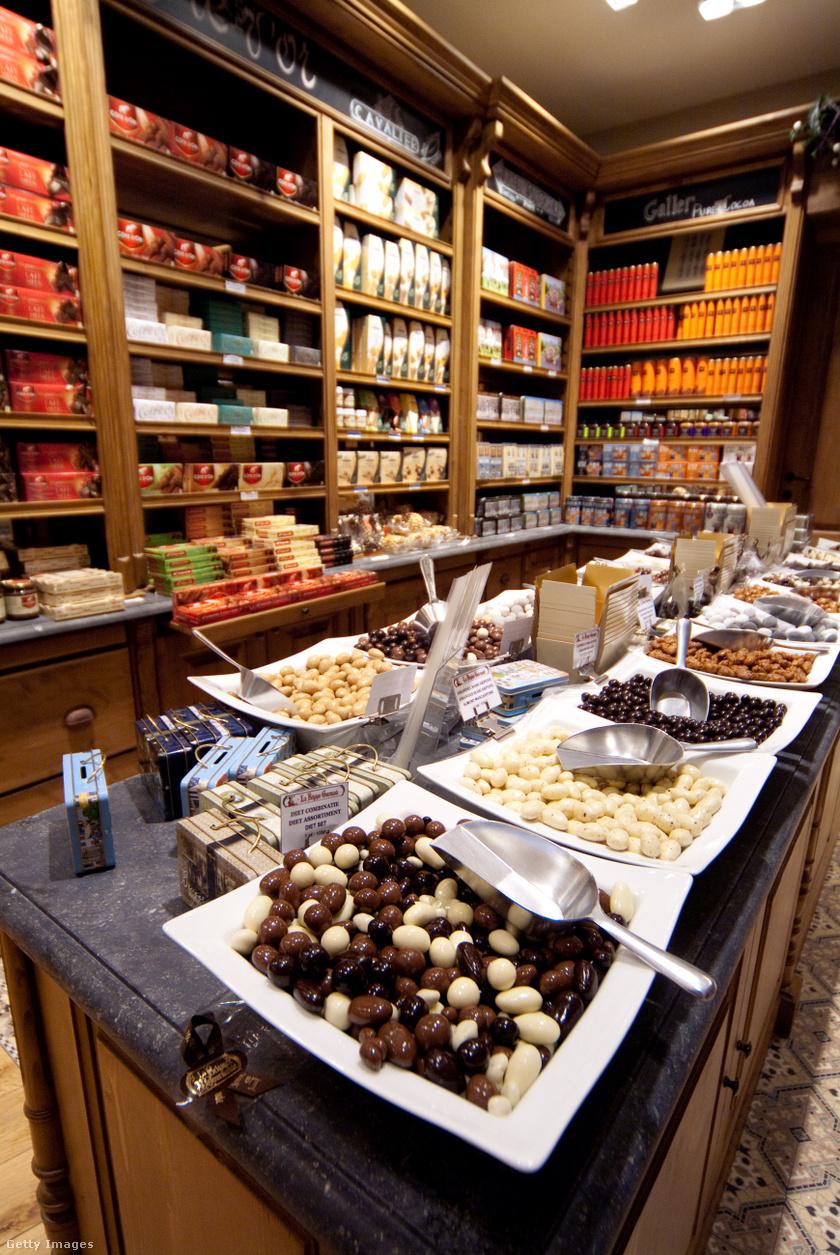 A számos brugge-i csokoládébolt egyike.