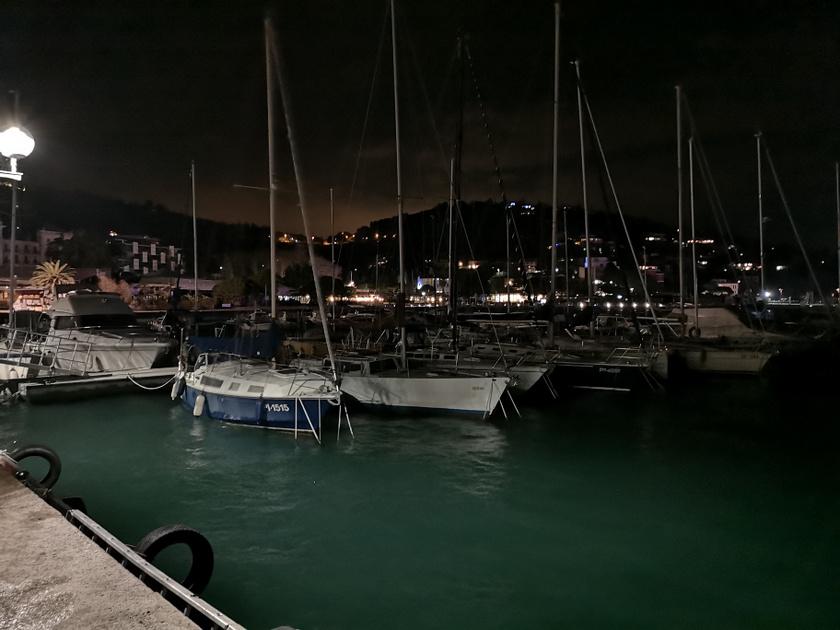Bár este értünk a tengerhez, a sós, friss illat mindenért kárpótolt.