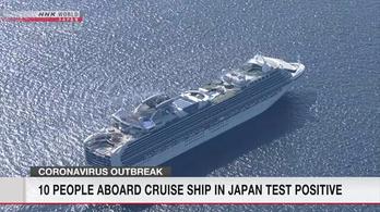 Tíz utas fertőződött meg koronavírussal egy japán üdülőhajón