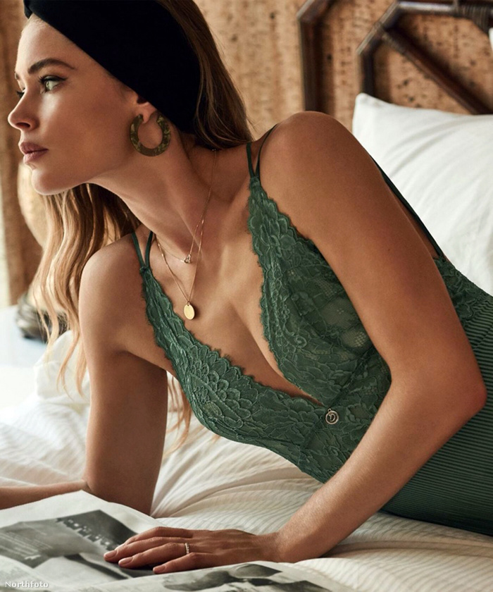 Doutzen Kroes modell egy ideje már nem dolgozik a Victoria's Secretnek, de ettől még szokták fehérneműben fotózni