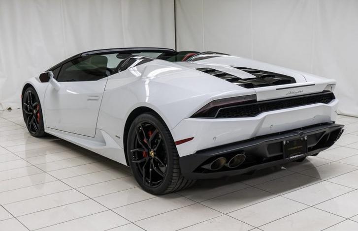 2017-Lamborghini-Huracan-Spyder 1-768x497