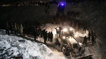 28 ember meghalt két lavinában Törökországban