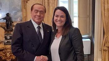 Jávor Benedek imádkozik, hogy Berlusconi nehogy véletlenül szexpartiba hívja Novák Katalint