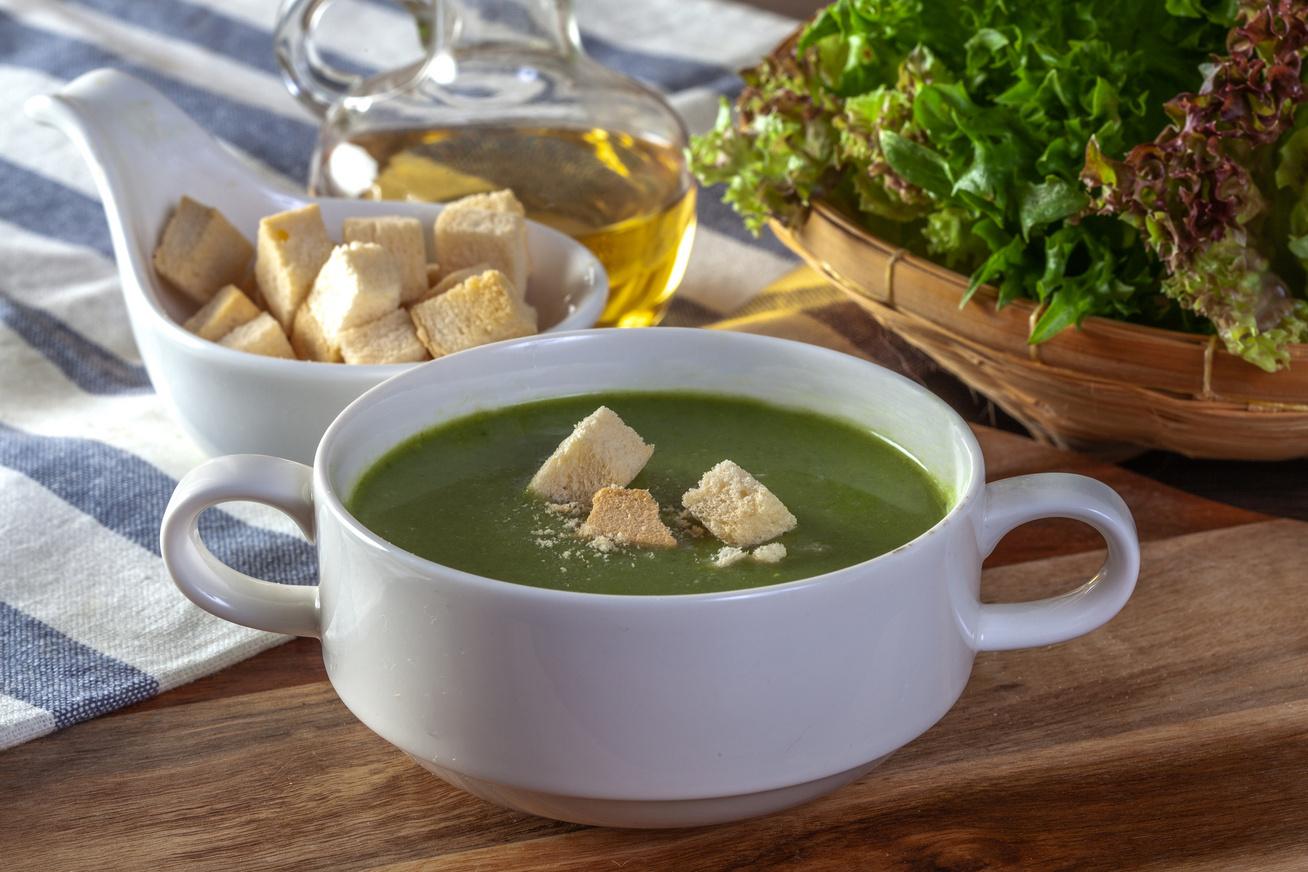 spenót leves