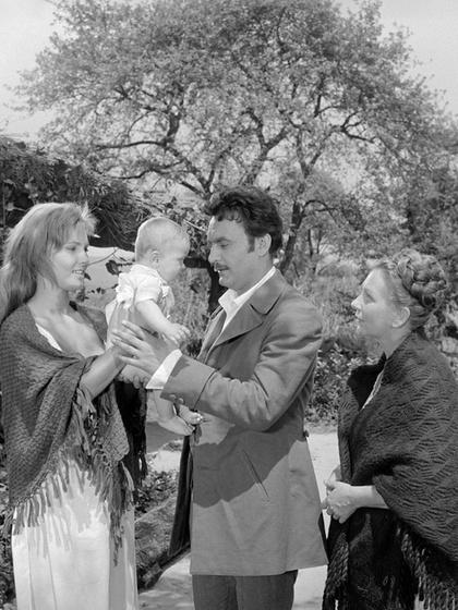 Kit játszott az 1962-ben bemutatott, Az aranyember című filmben?
