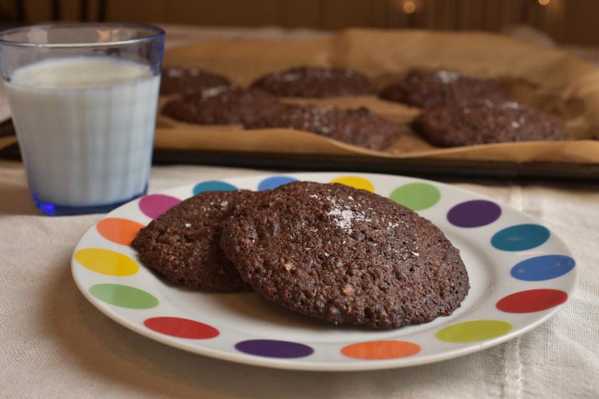 csokis keksz cikkbe