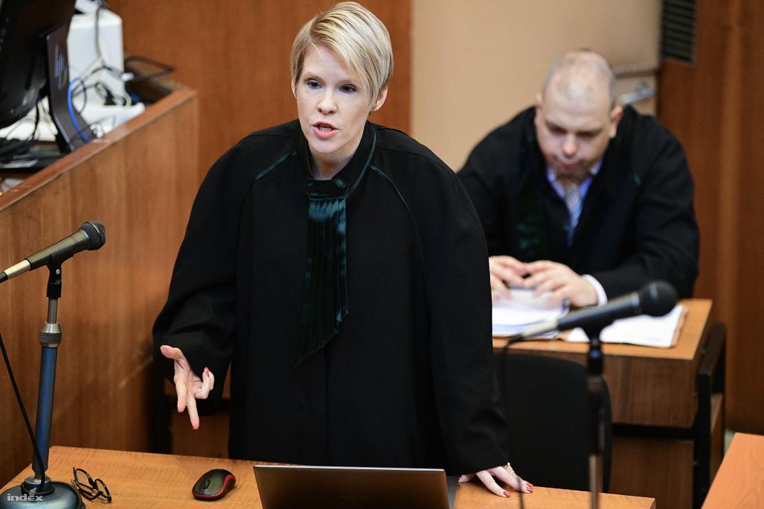 Védőügyvéd beszél L. Csaba és felesége ügyének tárgyalásán