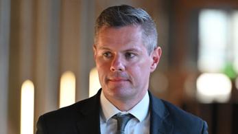 Lemondott a skót pénzügyminiszter, miután egy 16 éves fiút zaklatott