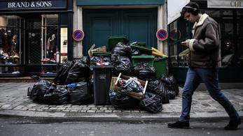 A hulladékégetők is sztrájkolnak, ellepte Párizst a szemét