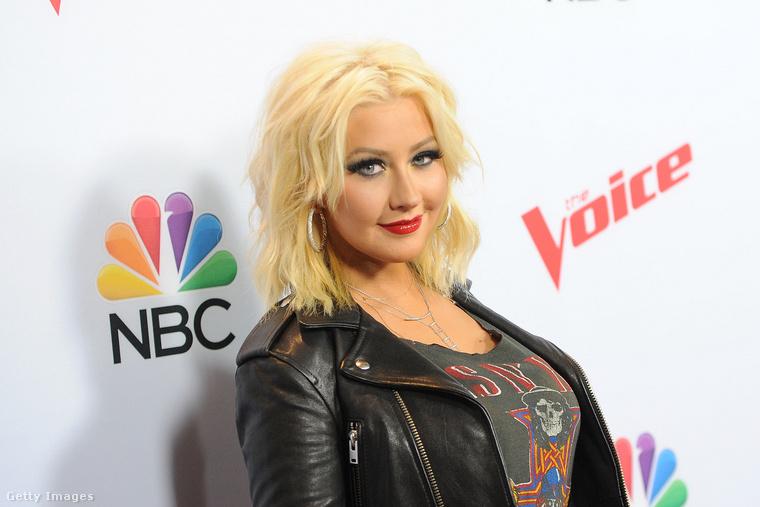 Christina AguileraAz énekesnő szülei akkor váltak el, amikor ő 6 éves volt