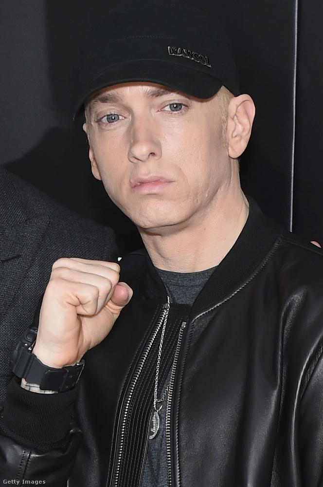 EminemA rapper 22 mérföld című filmjéből tudhatjuk, hogy nem volt könnyű gyerekkora, ehhez pedig a szülei is hozzájárultak