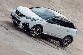 A legerősebb sorozatgyártású Peugeot pedig...