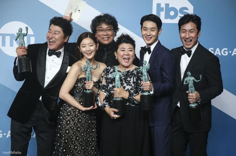 A szereplők itt az SAG-díjuknak örvendenek, de ez a film kb. mindent megnyert már, többek között a Cannes-i filmfesztivál nagydíját is. Biztos, hogy az Oscarról se fognak lemaradni.