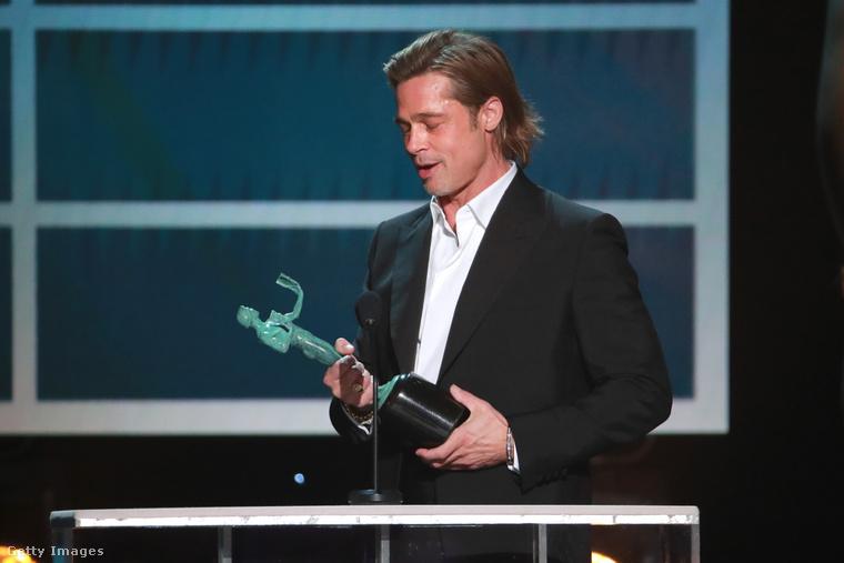 Brad Pitt már gyakorolhatja az Oscar-beszédét.