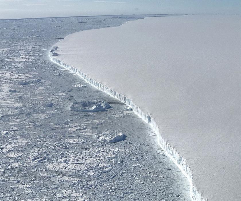 A jéghegy nyugati oldala.