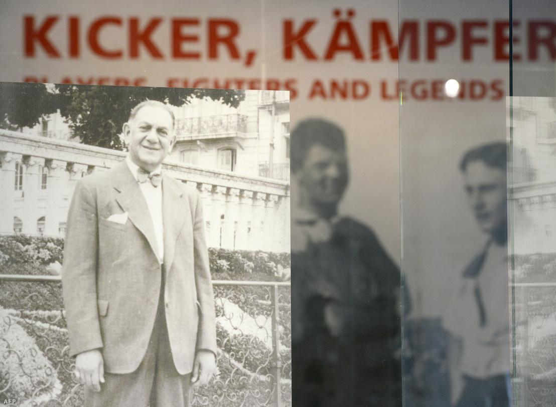 Kurt Lauder képe a Bayern München történetét és a zsidók szerepét a német labdarúgásban bemutató kiállításon Münchenben 2015-ben. A zsidók emlékének szentelt kiállítást az auschwitzi koncentrációs tábor felszabadításának 70. évfordulóján nyitották meg.
