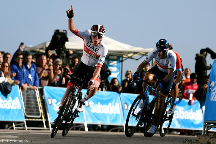 Tadej Pogacar (UAE) nyerte a Valenciai körverseny második szakaszát Alejandro Valverde (Movistar) előtt.