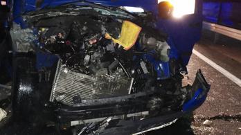 Öt autó ütközött az M3-ason, egy ember meghalt