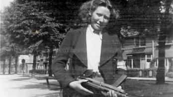A nácikat elcsábító, majd az erdőben meggyilkoló tinilányok története