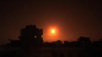 Kényszerleszállást kellett végrehajtania egy orosz repülőnek az izraeli légicsapások miatt