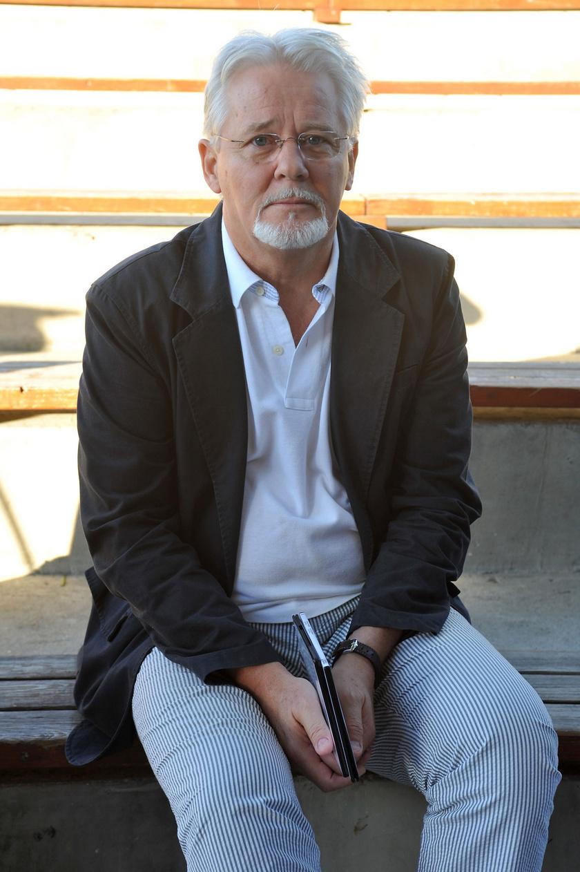 Rofusz Ferenc 1980-ban bemutatott rajzfilmjében egy légy szemével látjuk a világot. A bürokrácia a rendező Oscar-ceremóniára való kijutását is akadályozta, A légy díját így a Hungarofilm vezérigazgatója vette át.